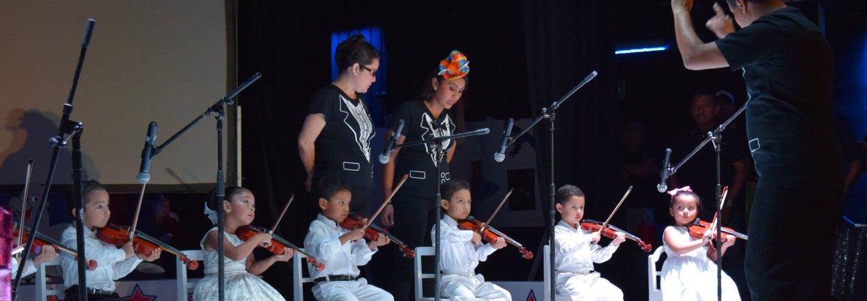 ninos tocando el violin
